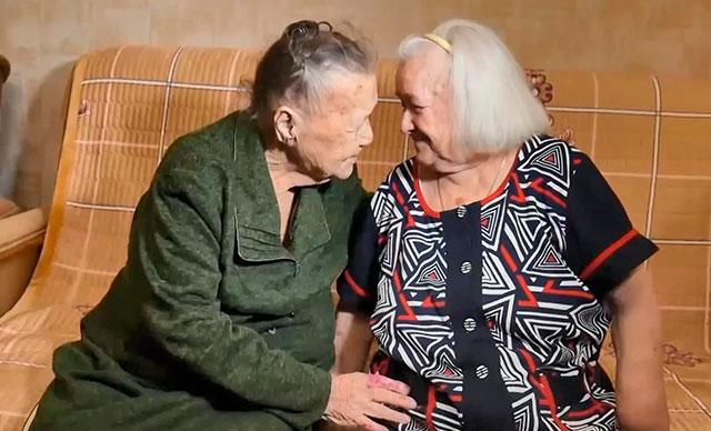 Savaşın ayırdığı kardeşler 78 yıl sonra buluştu