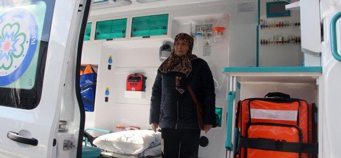 Hizmetten memnun kalan gurbetçi ambulans bağışladı