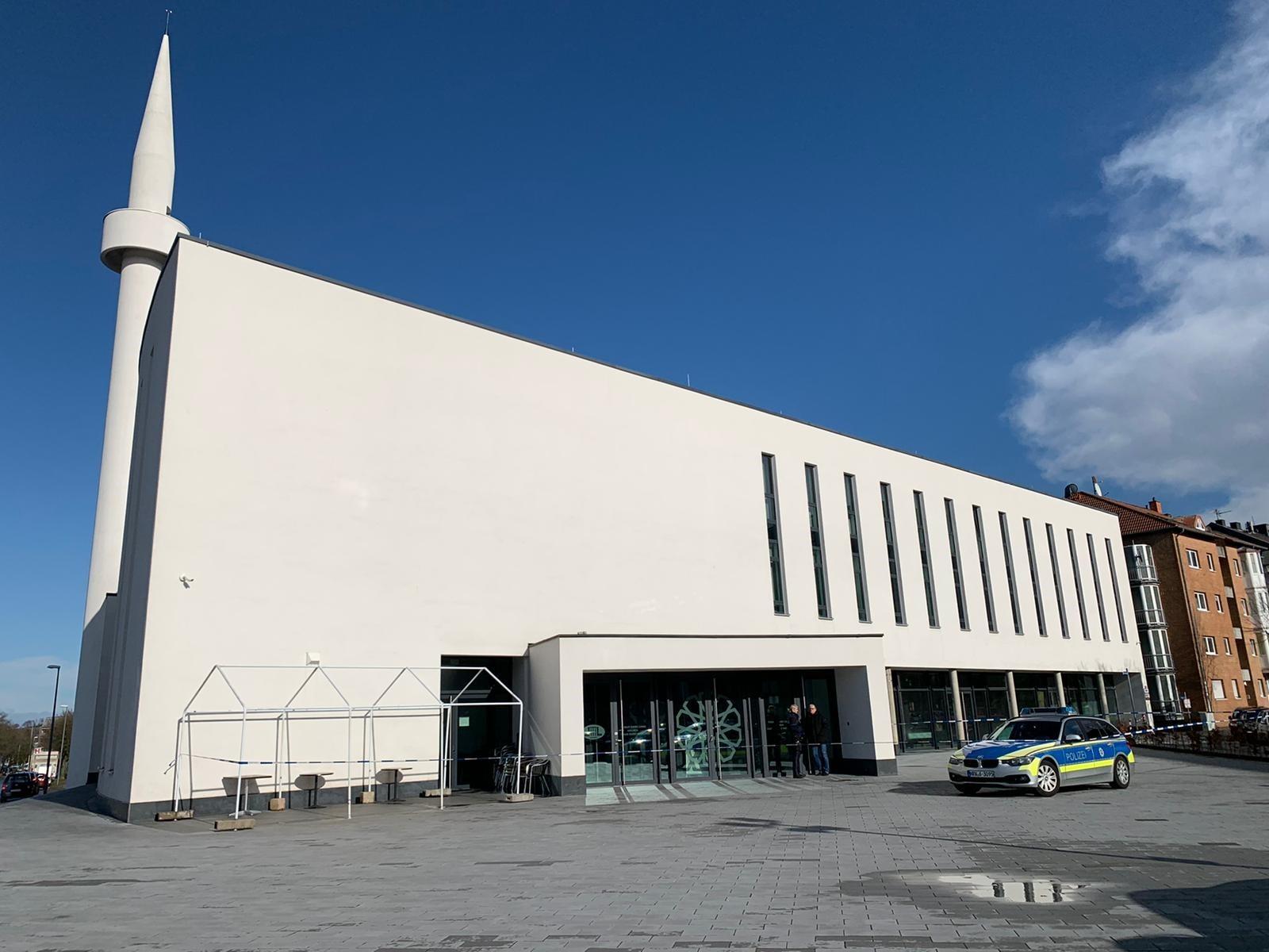 Almanya'da camilere bomba ihbarı sürüyor