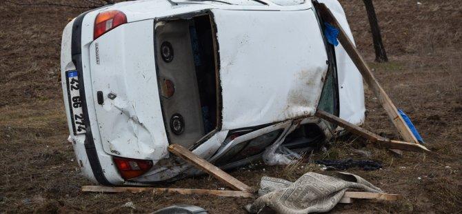 Cenazeye gelen gurbetçi çift kaza yaptı: 1 ölü