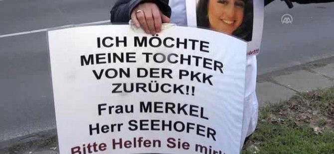 Acılı anne, Merkel'den yardım istedi
