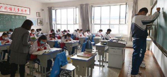Çin'de eğitim tekrar başladı