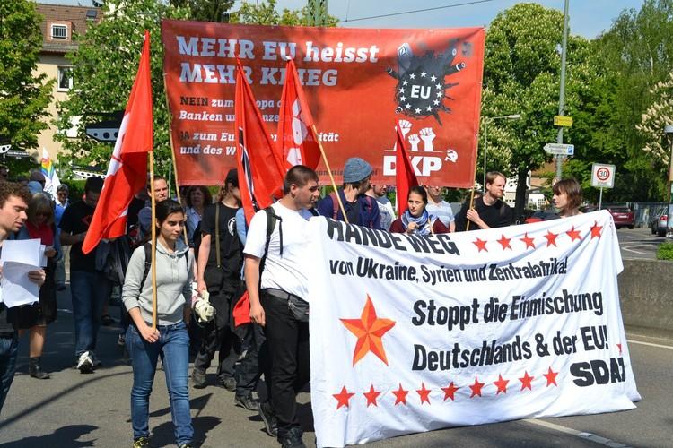 Frankfurt barış için yürüdü