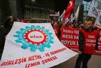 İzmirli işçilerden eylem