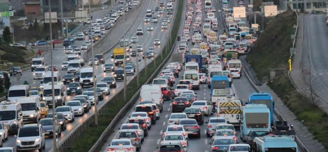 Türkiye'nin Geçiş Güzergahında Araç Yoğunluğu Arttı