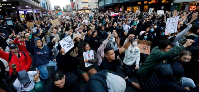 Yeni Zelanda ırkçılığa karşı ayaklandı