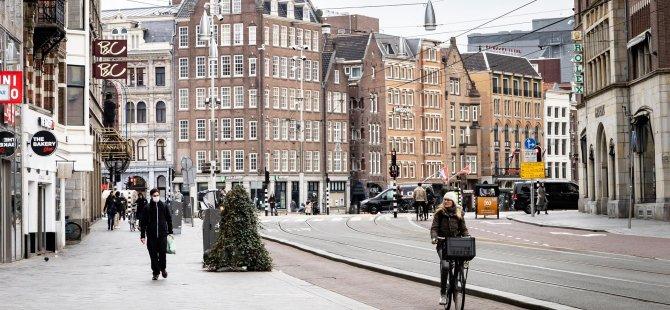 Hollanda'da Kovid-19 Nedeniyle Ölenlerin Sayısı 5 Bin 962'ye Yükseldi