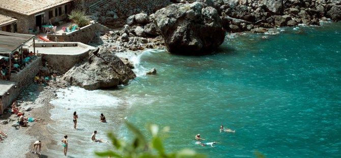 İspanya'da yeni ekonomik deprem: Turizm gelirleri yarı yarıya düştü