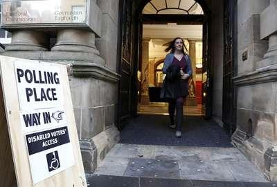 İngiltere'de sandık anketinden Muhafazakarlar çıktı