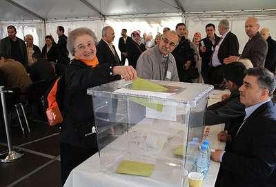 Almanya'da ilk gün 4 bin 800 oy kullanıldı