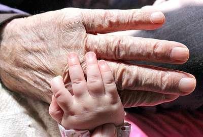 Türkiye nüfusu yaşlanıyor