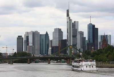 Almanya'da piyasa faizleri 11 kat arttı