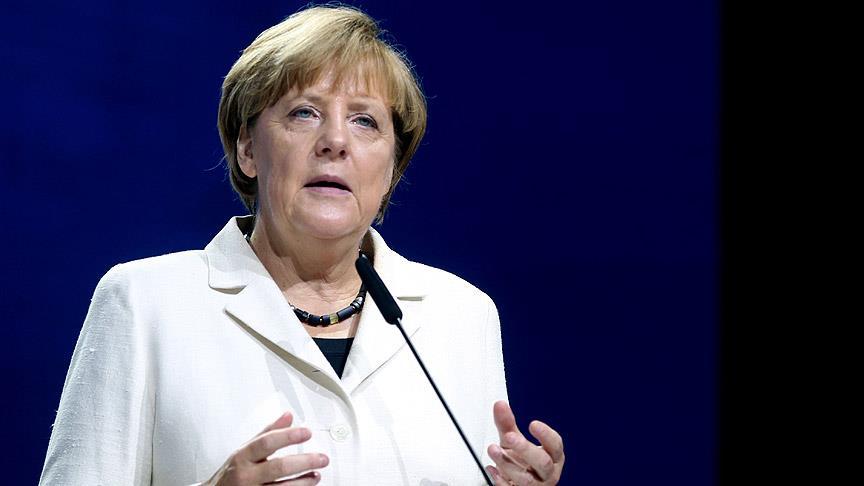 Merkel: Suriye'de siyasi çözüme ihtiyaç var