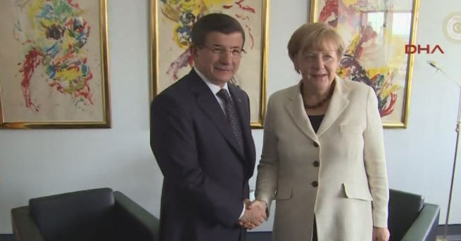 Davutoğlu, Merkel'le ABD'de görüştü