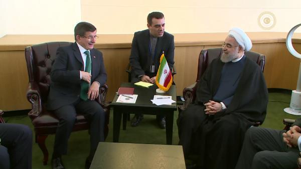 Davutoğlu, Ruhani ile görüştü
