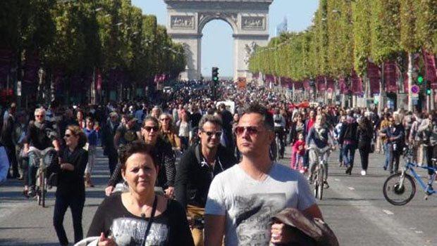 Paris'te arabasız gün heyecanı