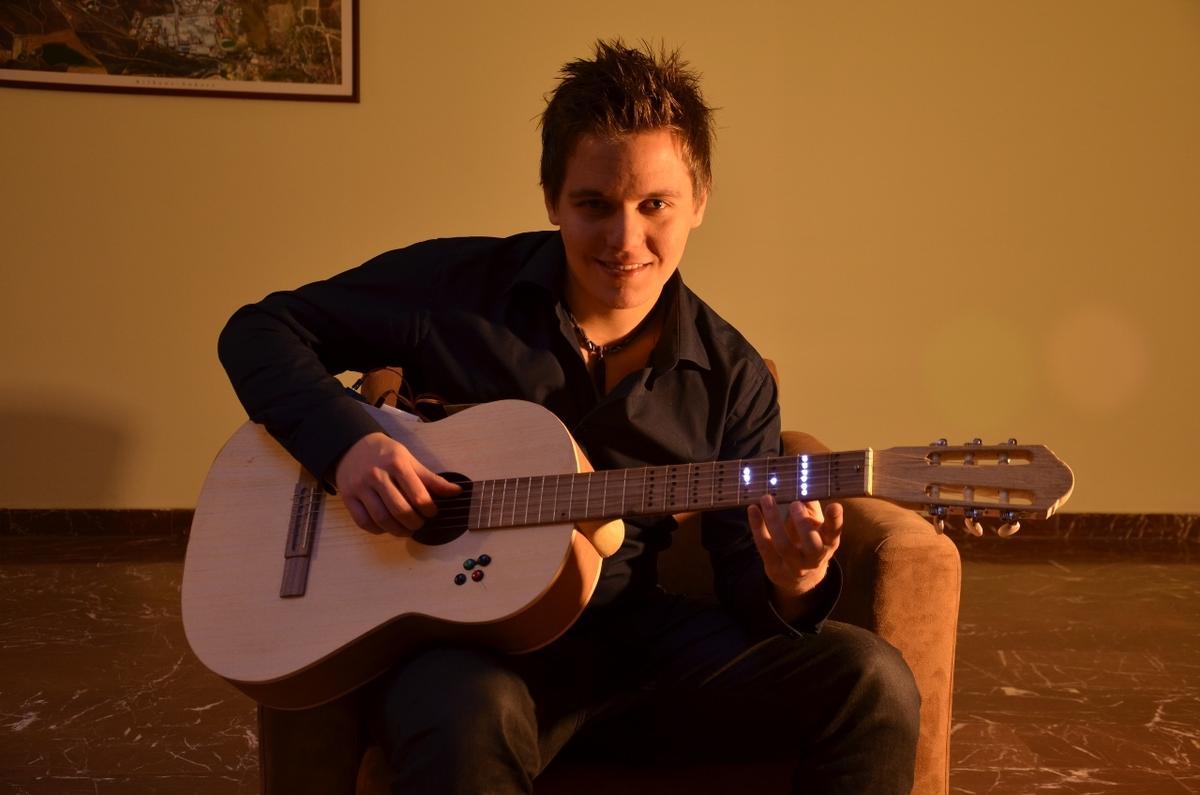 Nota bilmeden de gitar çalma dönemi başladı