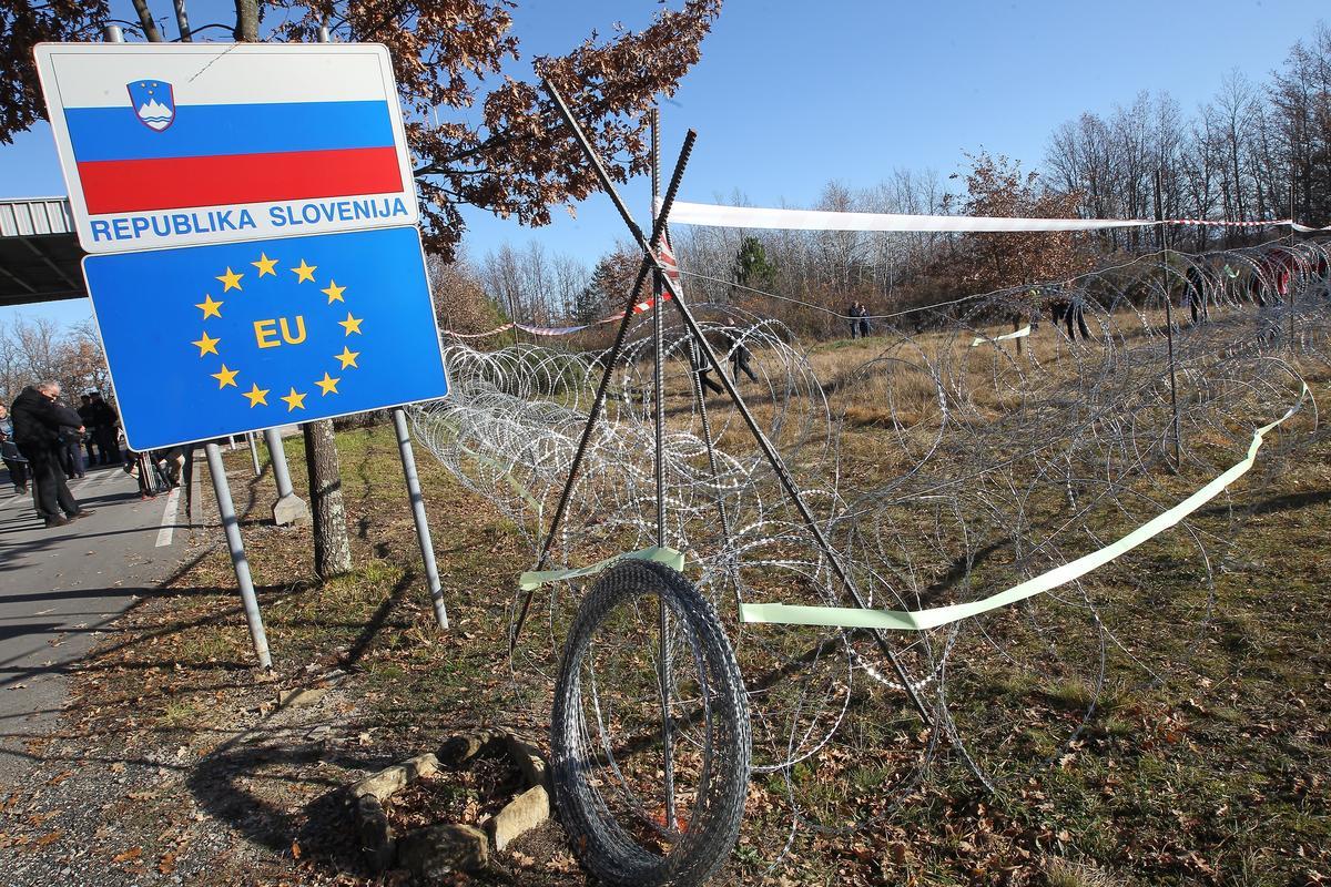 Slovenya, eşcinsel evliliğe 'hayır' dedi