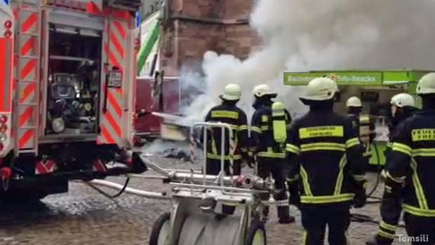Almanya'da yangın dehşeti