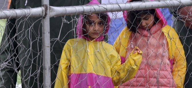 Irkçılara sığınmacı çocuklara vasilik çağrısı