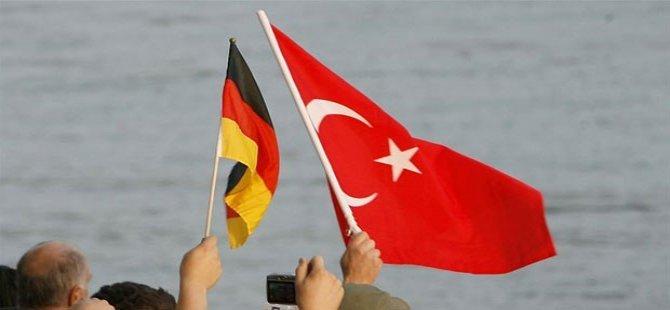 Alman hükümetinde MİT endişesi