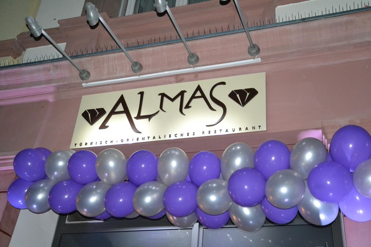 Almas Restoran açıldı