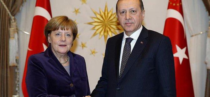 Merkel'den Erdoğan'a taziye