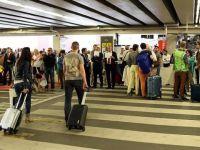 Brüksel Havalimanı'na refakatçi girişi başladı