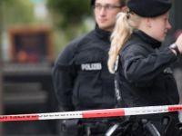 Berlin'de hastanede polise silahlı saldırı