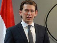 Avusturya'da kamu çalışanlarına türban yasağı