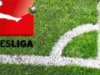 """Bundesliga'da """"Naziler dışarı"""" sloganı"""