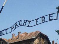 Auschwitz Müzesi'ni iki milyondan fazla kişi ziyaret etti