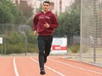 Ödünç ayakkabıyla Türkiye şampiyonu oldu
