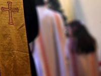 Tacizle suçlanan rahip intihar etti