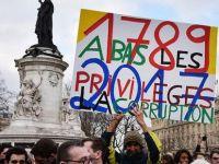 Paris'te tencere tavalı  'yolsuzluk' protestosu