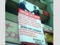 'Atatürk Evet Diyor' pankartına tepki