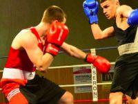 Türk kökenli şampiyon boksörler ringe çıktı