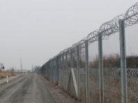 Macaristan, sınıra ikinci tel örgüyü çekti