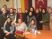 AKP'li vekil Almanya'da 'Evet' turuna çıktı