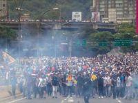 Venezuela'daki gösterilerde en az 10 ölü