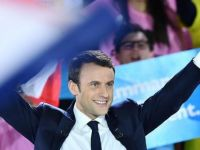 Macron: Trump, geri dönerse biz buradayız