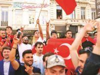 Erdoğan destekçileri yasak dinlemedi