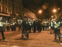Londra'da protestocular ve polis çatıştı
