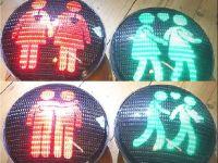 Trafik lambaları 'eşcinsel' yanacak