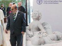 Papa'dan, Alan Kurdi heykeli hediyesi