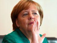 Merkel: Türkiye'ye AB yardımı kısılmalı