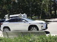 Apple'ın sürücüsüz arabası yola indi
