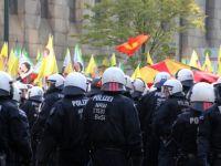 Almanya'da Öcalan posterine hapis