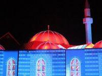 Fatih Camisi'nde ışık gösterisi
