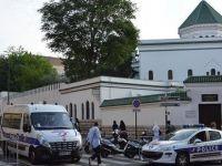 Fransa'da camiyi işgal eden ırkçılara hapis cezası